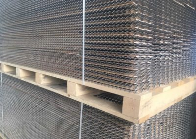 DryWoodMesh® Package with steel mesh and wooden lamellas